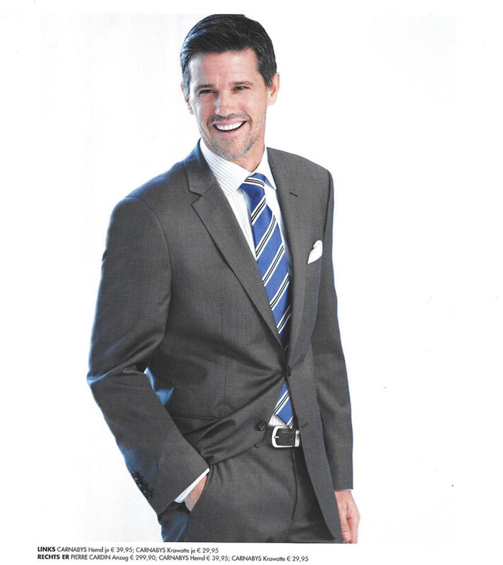 33-Richard-Brands-Pierre-Cardin-suit-tear.jpg