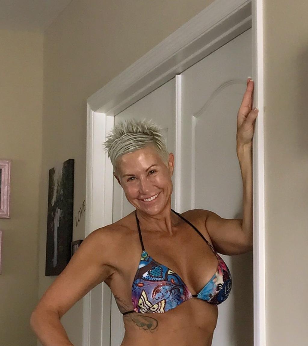 Gail Bonnstetter Bikini.JPG