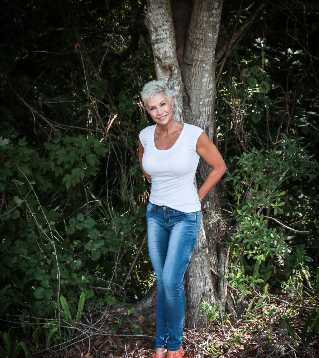 Gail Bonnstetter Jeans WhiteTop.jpg