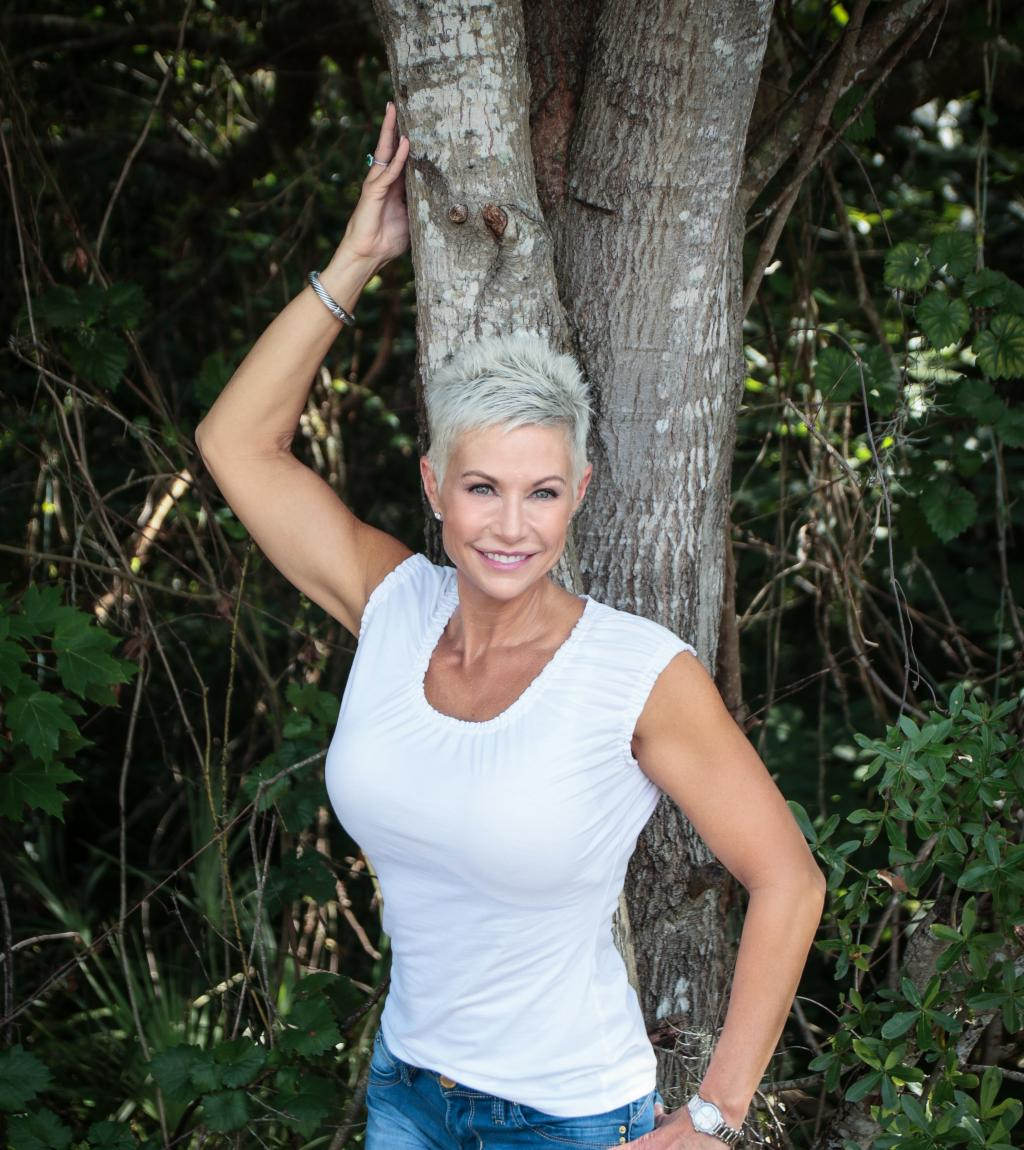 Gail Bonnstetter Jeans WhiteTop3.jpg